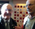 Amerikaanse ambassadeur omarmt Marigold symbool