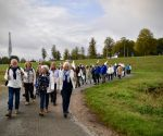 Ruim 200 mensen lopen 'Exodustocht' tussen Huissen en Arnhem.