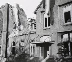 lucaskerk en pastorie Elden 1945
