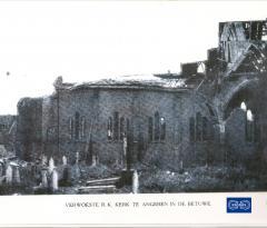 Verwoeste RKkerk Angeren 1945