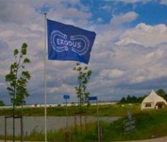 vlag bij begin frontlinepad 8 juni 2012